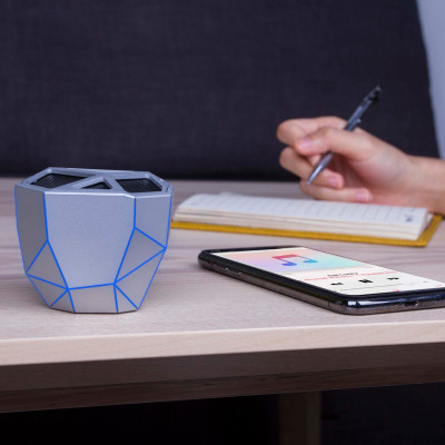 Акуст. система XOOPAR-GEO SPEAKER (серебр.,син. LED,с Bluetooth, USB-кабелем)